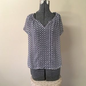 new directions Tops - Black Gray & Pink Circular Pattern Top PM