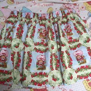 Strawberry shortcake skirt 1980s vintage fabric
