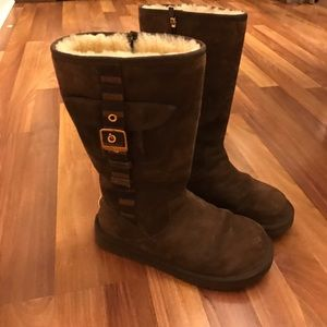UGG Shoes - Ugg brown boots size 8.
