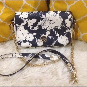 Tory Burch Handbags - 🌸OFFERS?🌸Tory Burch All Leather Floral Crossbody