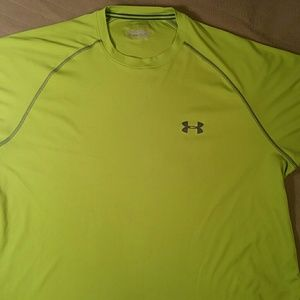 Under Armour Other - Men's  shirt Heat Gear  ( light snagging on front)