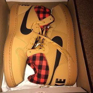 Nike Other - Tan Nikes with lumberjack pattern