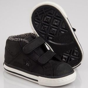 Converse Other - NEW CONVERSE BOOTS KIDS BOYS LEATHER SIZE 7 (25)