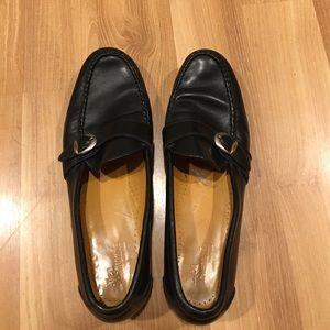 Allen Edmonds Other - Allen Edmonds dress shoes leather size 9.5 B