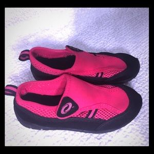 Other - Toddler Girls Water Shoes, Size 10