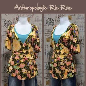 "Anthro ""Pineapple V-Neck"" by Ric Rac"