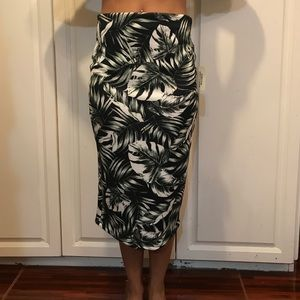Knee Length Tropical Print Skirt