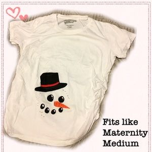 Tops - Cute winter / Christmas maternity t shirt