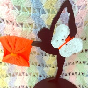Paxi Other - Butterfly clip W/headband