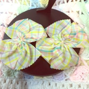Paxi Other - Pastel plaid Bow Clips