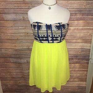 Fun & Flirt Dresses & Skirts - Strapless Fun & Flirt Dress