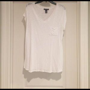A Pea in the Pod Tops - Super Soft White v neck pocket maternity tshirt