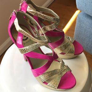 Guess Shoes - ‼️SALE‼️ Guess Size 7 Hot Pink Heels
