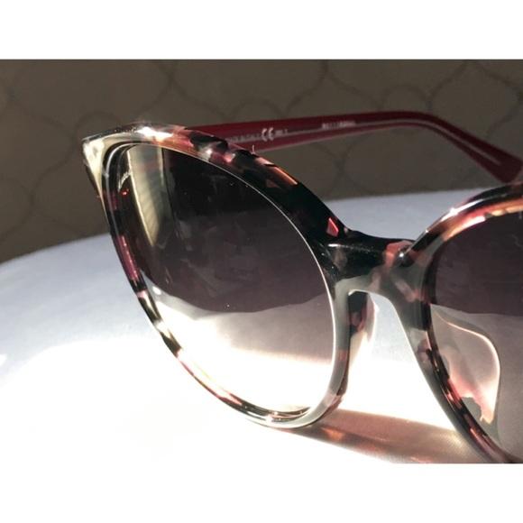 242fed6fef7 Gucci Accessories - Gorgeous GUCCI Sunglasses GG 3733 F S