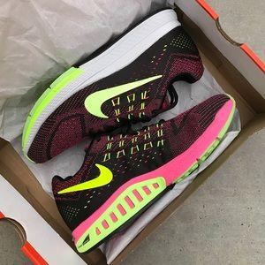 Nike Shoes - NWB 👣 NIKE ZOOM STRUCTURE WOMENS