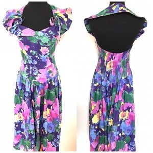 Vintage Dresses & Skirts - Adorable Vintage Floral Halter Sun dress
