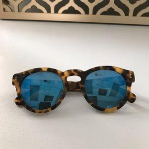 Illesteva Accessories - Illesteva Round Blue mirrored sunglasses