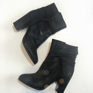 New Vince Camuto Crossover Strap Tassel Boots