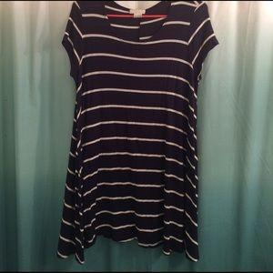 Short-Sleeved White Striped Navy Dress