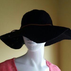 Rue21 Accessories - Beach floppy hat