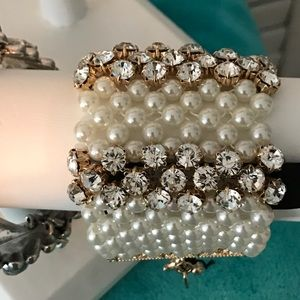Jewelry - Absolutely BEAUTIFUL PEARL AND DIAMOND BRACELET🌸