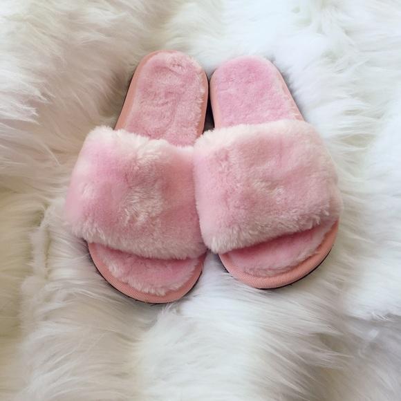 2ba3d873911 HOST PICK🎉 Pink little lamb fuzzy slides