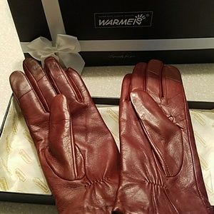Woman's leather saddle brown gloves