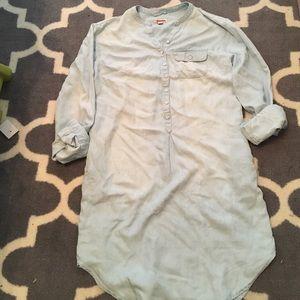 Light wash denim dress with pockets