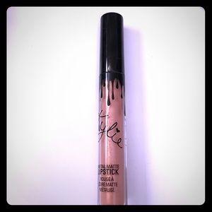 "Kylie Cosmetics Metal Matte Liquid Lipstick ""Heir"""