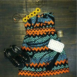 NWT LF XS S Chevron Tribal ZIgzag Strapless Dress