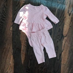 Baby gap two piece pink outfit. 3-6M