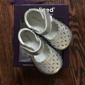 Pediped originals katelyn silver shoes 6-12M NIB