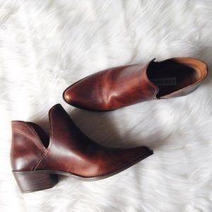 Steve Madden Shoes - Steve Madden pointy booties