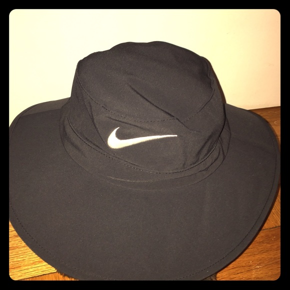 b749be3fc1b Nike Golf Sun Protect Bucket Hat