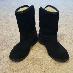 Emu Shoes - Authentic EMU Australia Boots