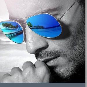 Accessories - ❤️😎⚡️ Super cool mirrored sunglasses sky blue