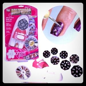 Accessories - Hollywood nails 💜price drop 💜