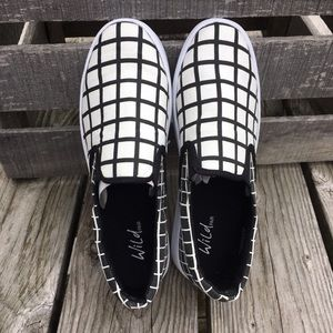 Wild Pair Shoes - 💖HP💖 Wild Pair Better Checkerboard Loafers! NEW!