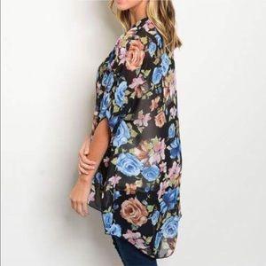 Twilight Gypsy Collective Tops - 🦋HOST PICK!🦋 Gorgeous Festive Floral Kimono