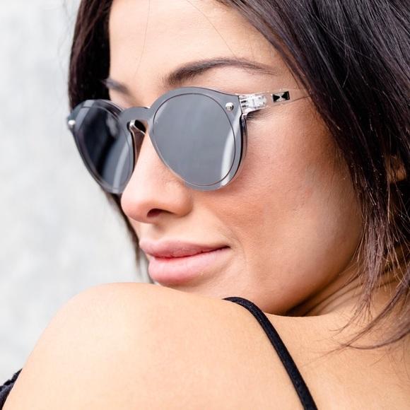 Luxed Eyewear s Closet ( luxedeyewear)   Poshmark b575c6d46a