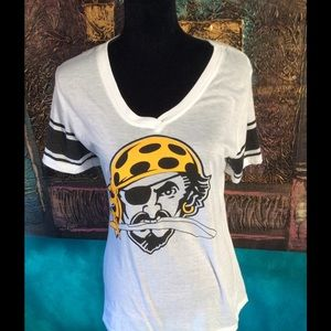 Tops - Pittsburgh Pirates tee!!