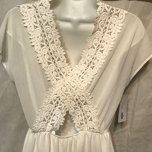 sage Dresses & Skirts - White appliqué boutique dress