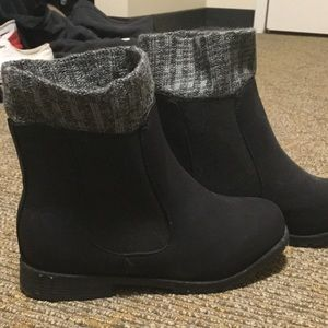 Shoes - Chelsea boots on sale! Brand new