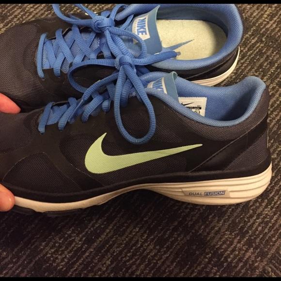 Nike Shoes - Nike dual fusion women's tennis shoe