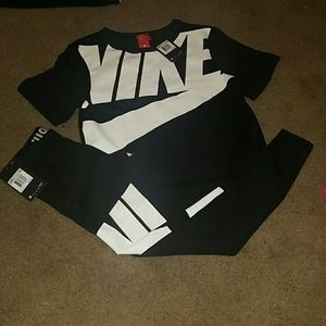 Nike Sweaters - Brand New '17 Nike Sweater (Top Only)