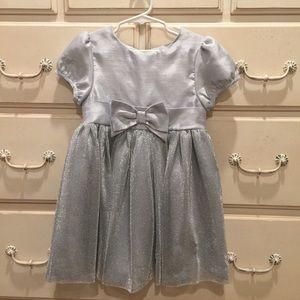 Hartstrings Other - Hartstrings gorgeous fancy dress, size 5, silver