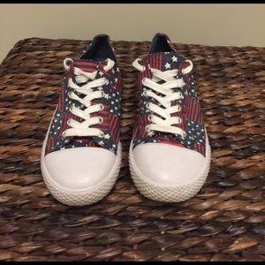 Airwalk Shoes - 🌺🦋 AIRWALK 🦋🌺 Patriotic Converse Sneakers SZ 7
