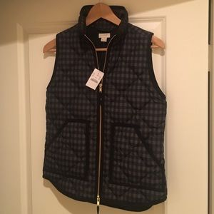 J. Crew Jackets & Blazers - NWT J Crew Printed Quilted Puffer Vest Excursion