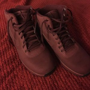 Nike Other - Nike boots
