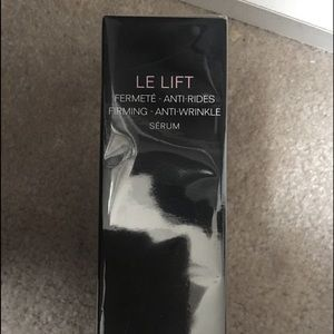 CHANEL Other - Chanel le lift anti-age serum